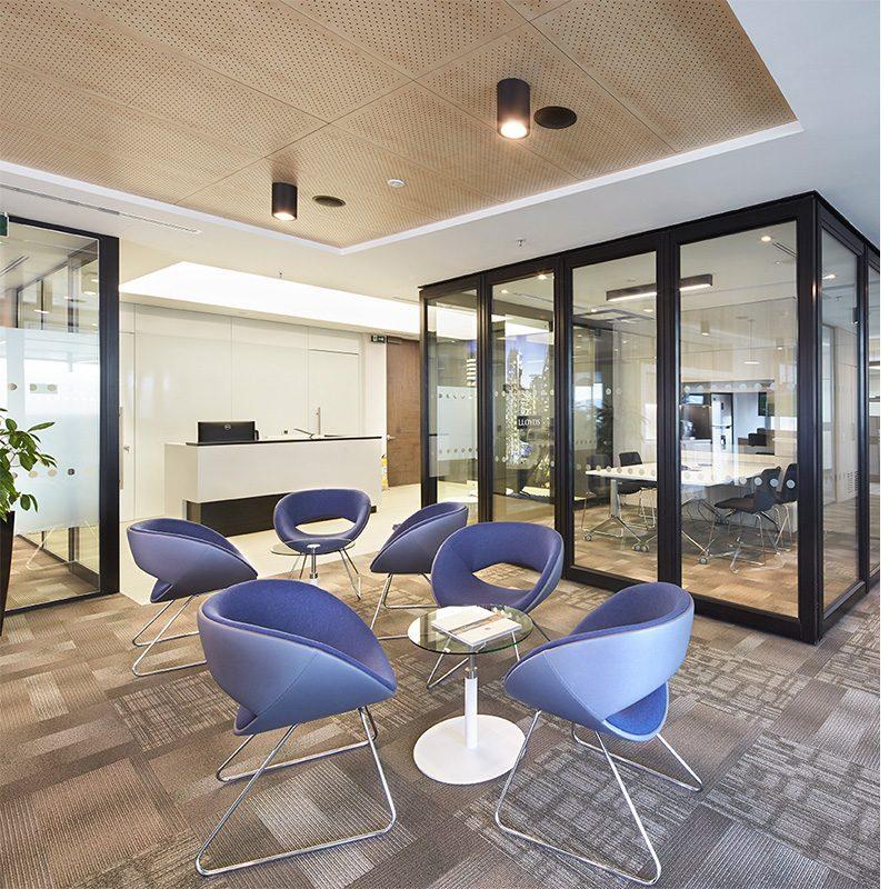 Dise o de interiores y remodelaci n de oficinas rodrigo for Remodelacion oficinas